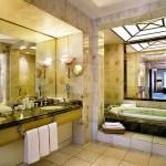 Club Diamond Suite Bathroom